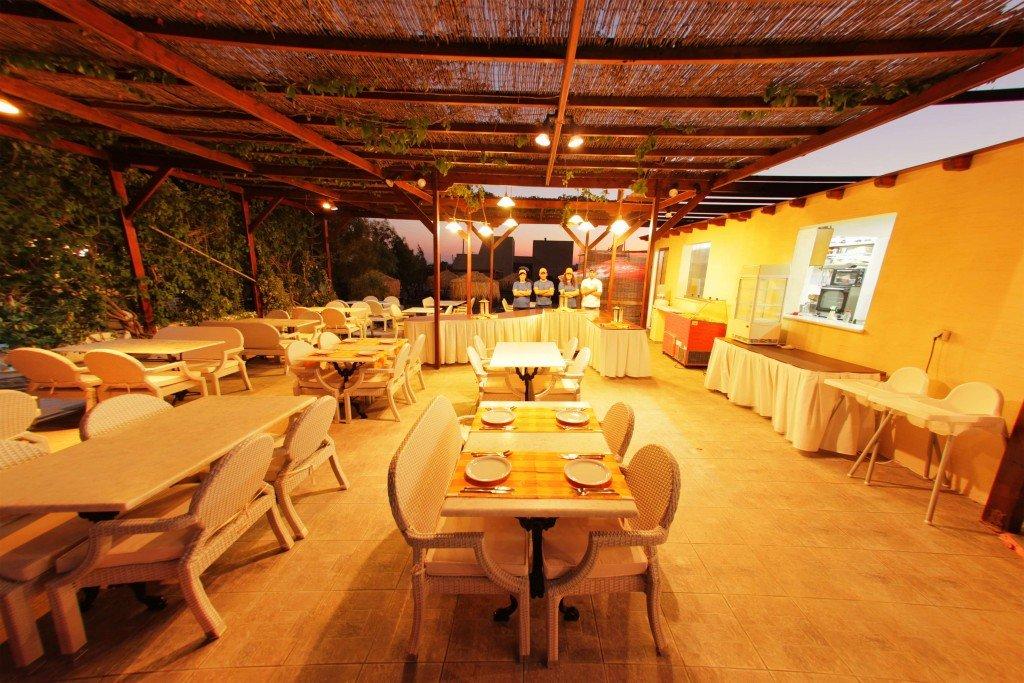 """<a style=""""color:#ffffff;"""" href=""""https://naxos-summerland.com/%ce%b5%cf%83%cf%84%ce%b9%ce%b1%cf%84%cf%8c%cf%81%ce%b9%ce%bf/"""" title=""""Εστιατόριο"""">Περισσότερα</a>"""